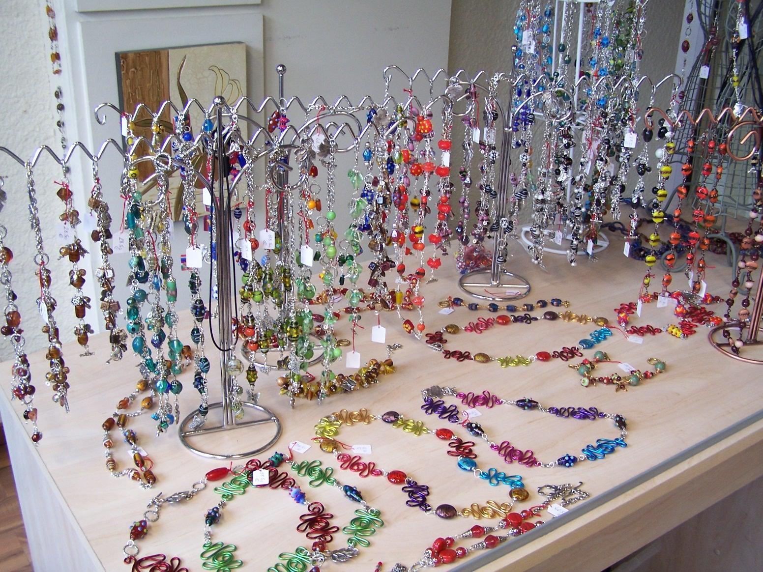 Creation Bijoux Fantaisie : Cr?ation de bijoux fantaisie au r?fectoire l ?cole