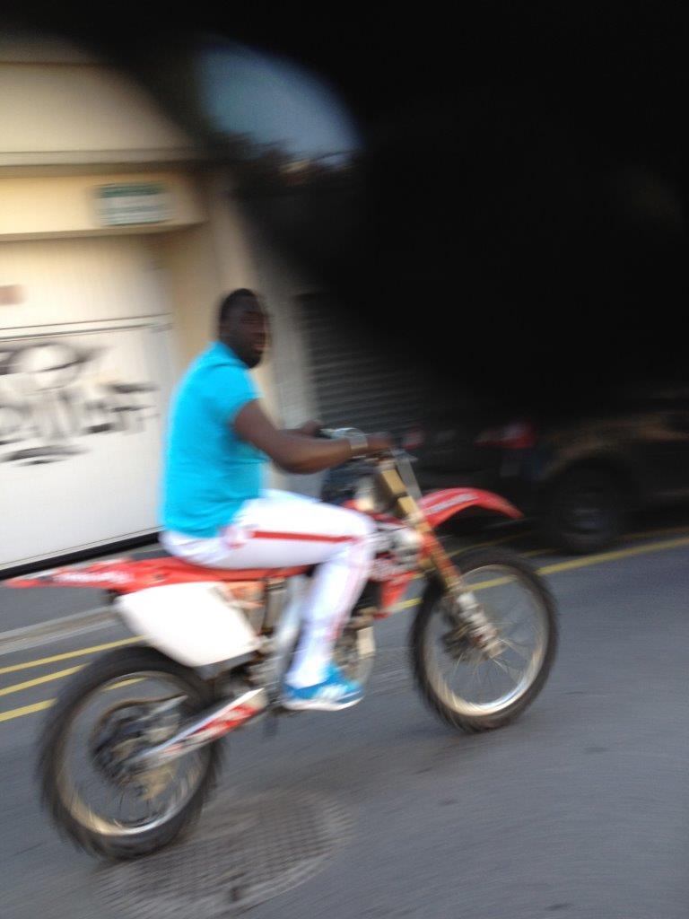 Les motos sauvages l assaut du quartier mairie paul bert aulnay sous bois aulnaycap - Garage moto aulnay sous bois ...