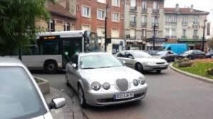 voiture_bus_bloque_615_aulnay