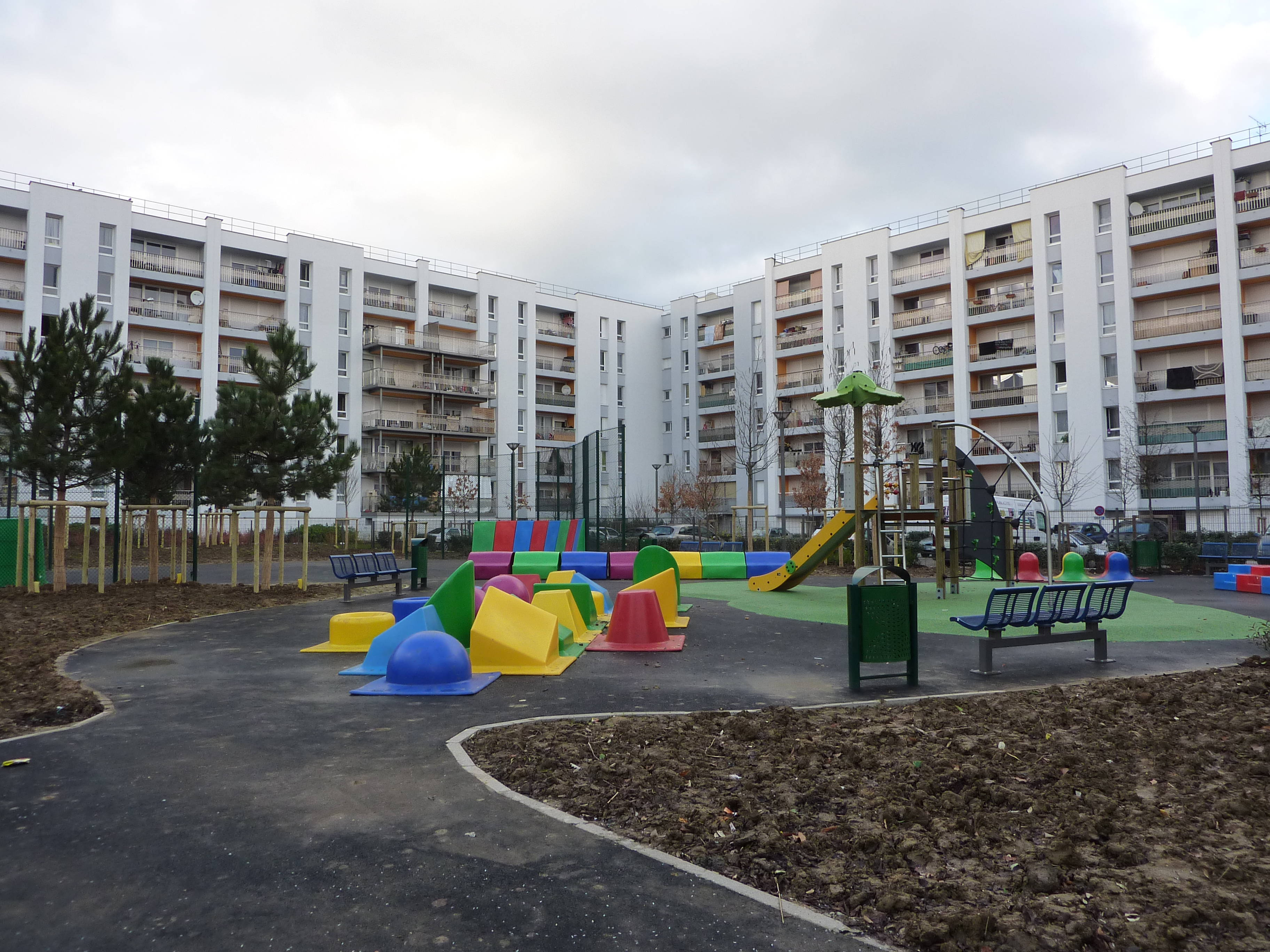 Le square Marco Polo s u2019exhibe dans les 3000à Aulnay sous Bois Aulnaycap # Permis Malin Aulnay Sous Bois