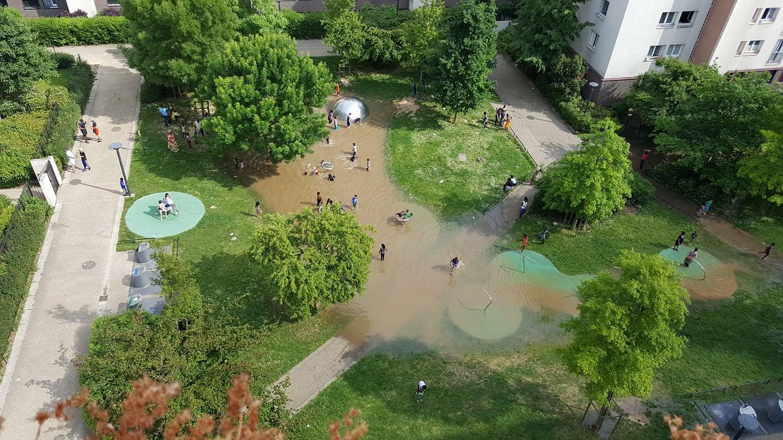 Un square du quartier des etangs aulnay sous bois for Aulnay sous bois piscine